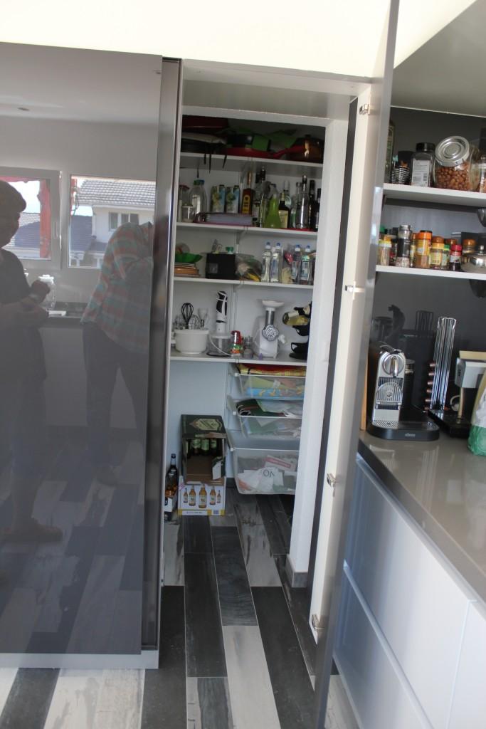 cache cache acc s au cellier cuisine annecy 74. Black Bedroom Furniture Sets. Home Design Ideas