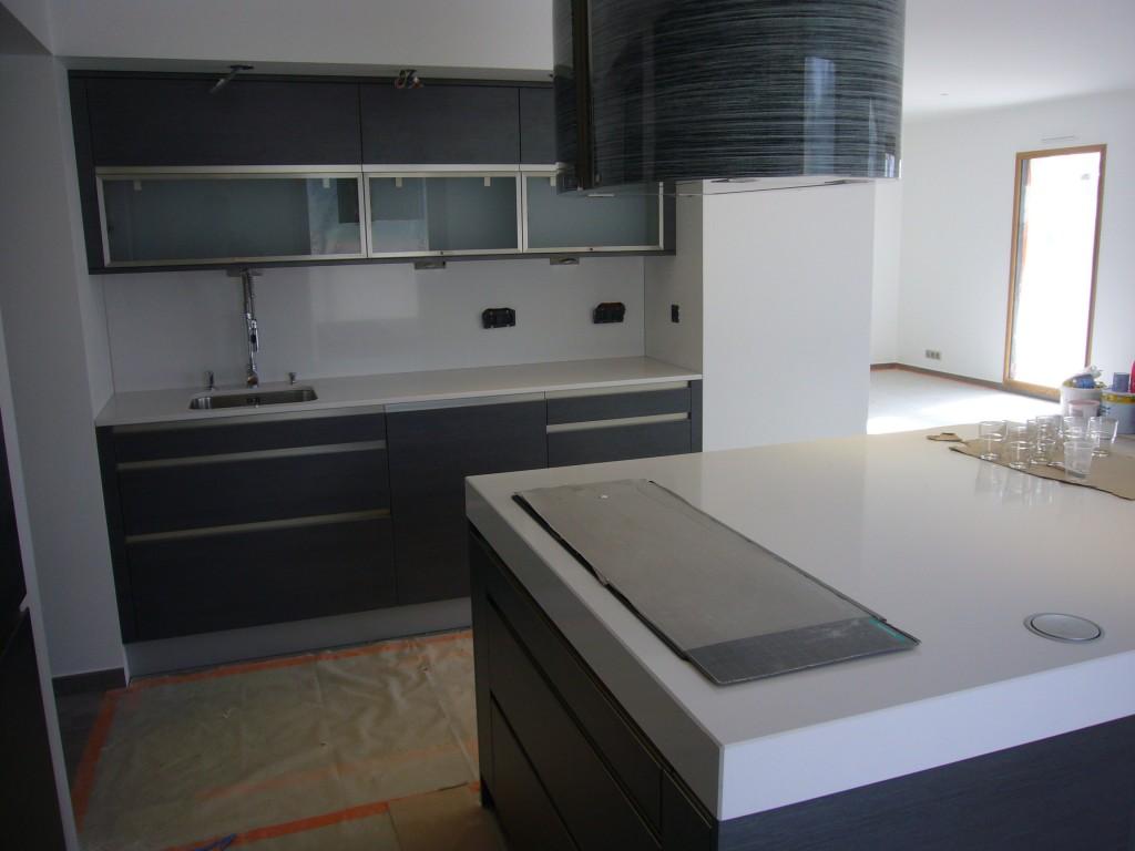 hotte ilot plaque grande largeur cuisine 224 annecy 74