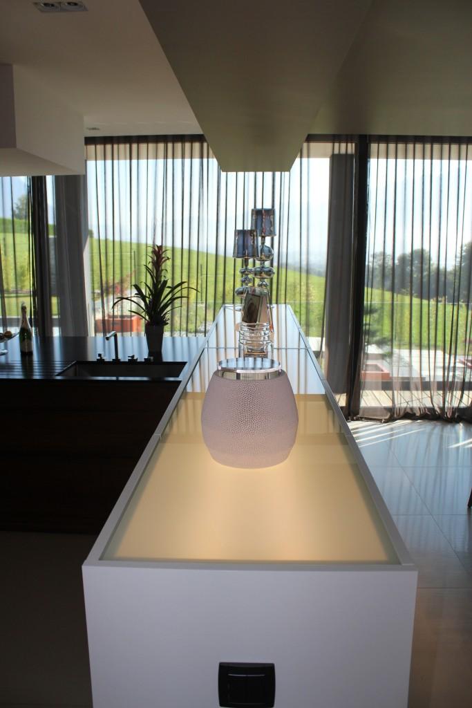 jeu de lumi re cuisine annecy 74. Black Bedroom Furniture Sets. Home Design Ideas