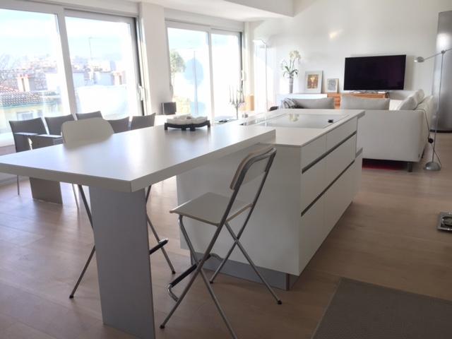 Fa ade r sine et plan dekton gen ve cuisine annecy 74 for Maison moderne 74000